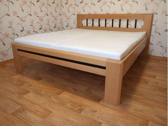 ANETA Dřevěná postel z masivu, s úložným prostorem