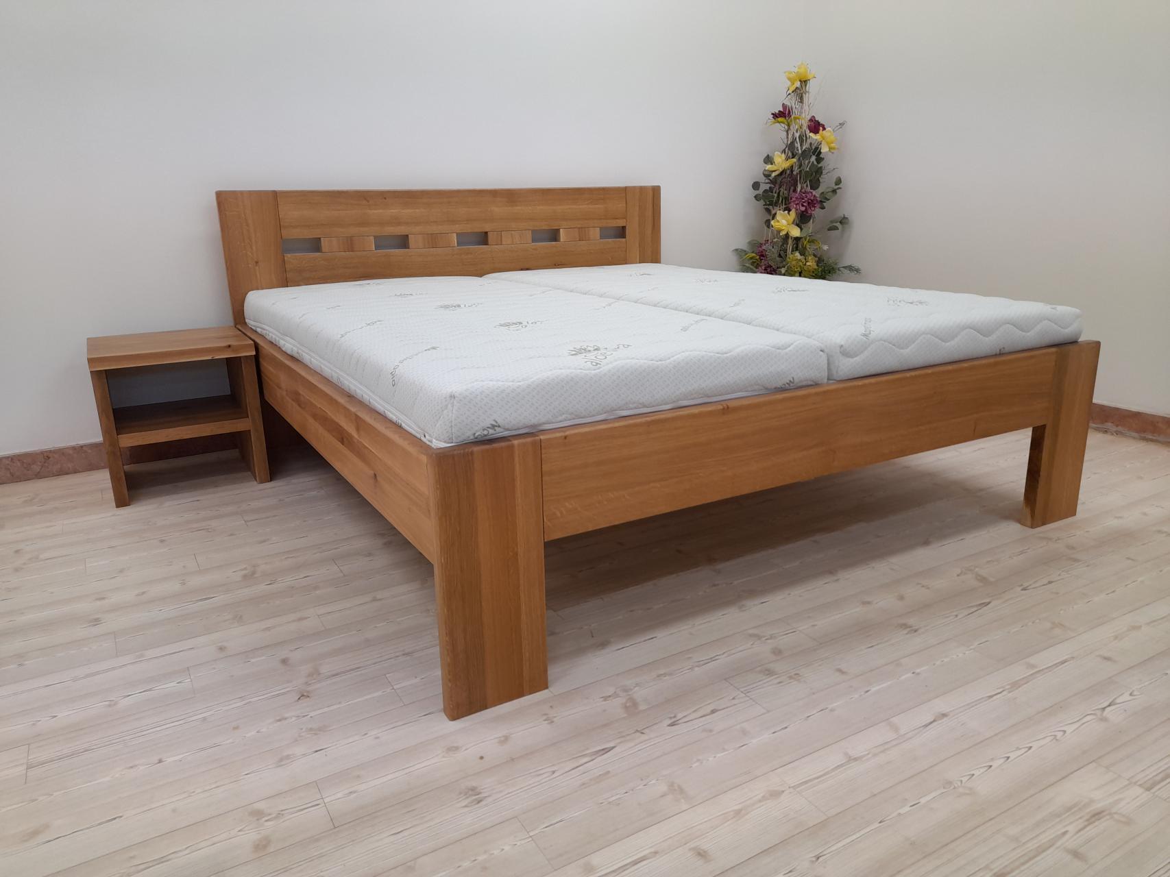 EDITA Dřevěná postel z masivu, bez úložného prostoru