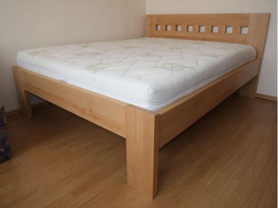 HELENA Dřevěná postel z masivu, bez úložného prostoru