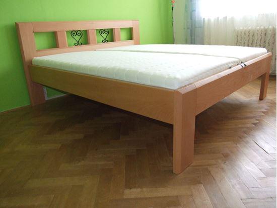 IRENA II Dřevěná postel z masivu, bez úložného prostoru