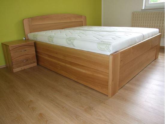 JANA Dřevěná postel z masivu, s úložným prostorem
