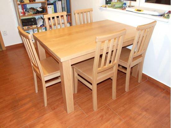 Jídelní stůl z masivního dřeva, 90 x 120 cm