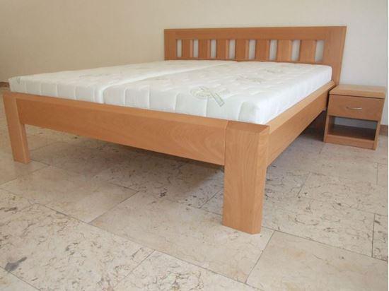 KLÁRA Dřevěná postel z masivu, s úložným prostorem