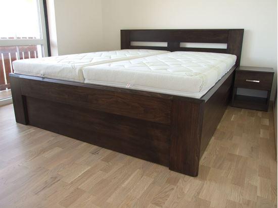 LUCIE Dřevěná postel z masivu, s úložným prostorem