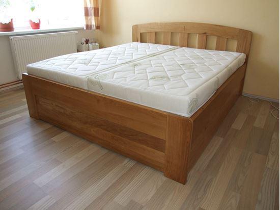 MARIKA Dřevěná postel z masivu, s úložným prostorem