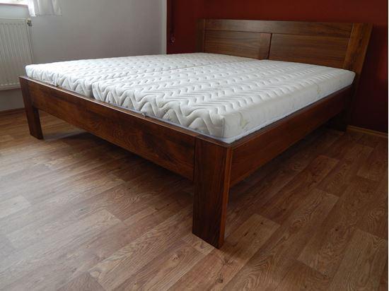 NIKOLA Dřevěná postel z masivu, s úložným prostorem