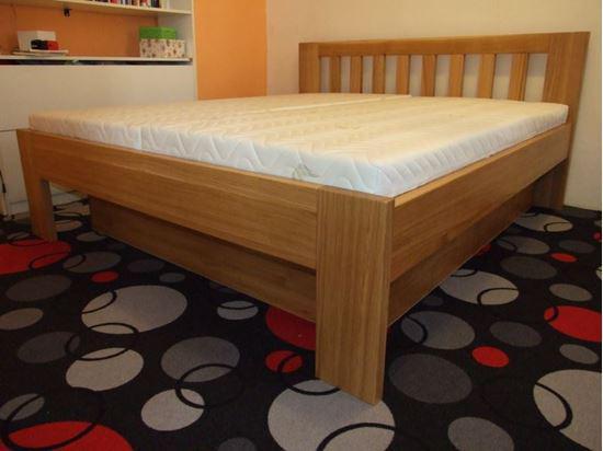 RADANA Dřevěná postel z masivu, bez úložného prostoru