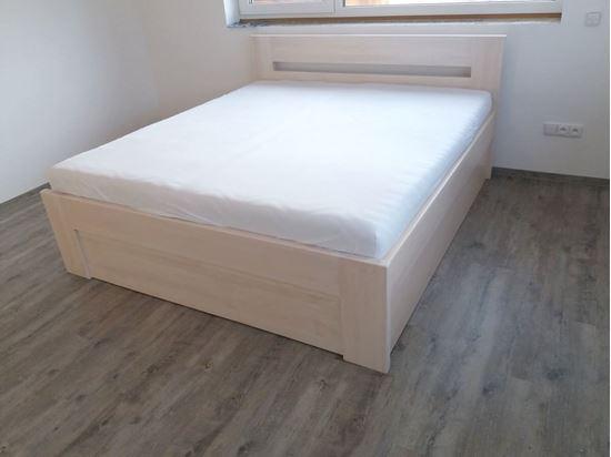 VANDA Dřevěná postel z masivu, s úložným prostorem