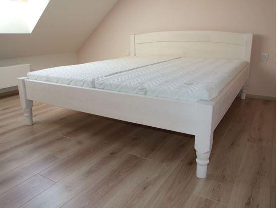 VANESA Dřevěná postel z masivu, bez úložného prostoru